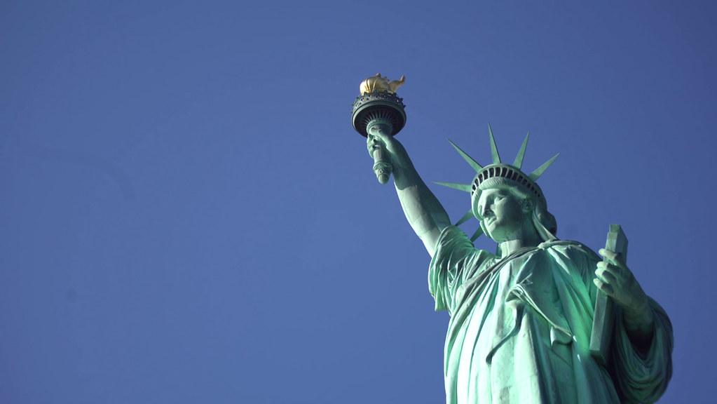17053025statue of liberty