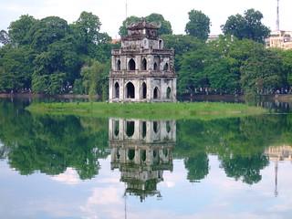 vietnam-hanoi-sword-lake_18201532578_o