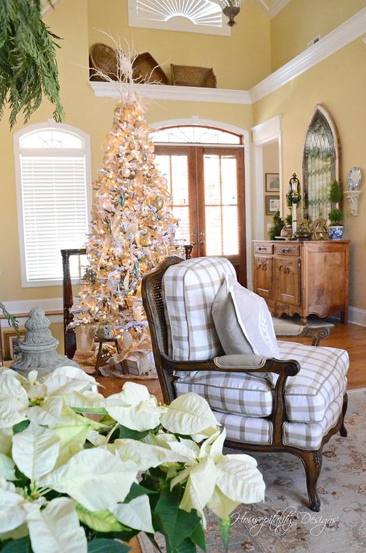 Christmas Great Room-Housepitality Designs