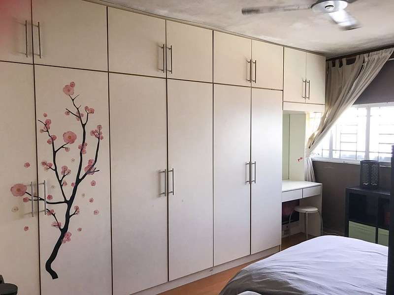 Built-in wardrobe along one wall