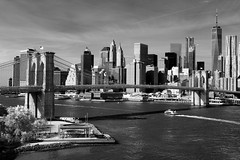 Manhattan skyline & Brooklyn Bridge