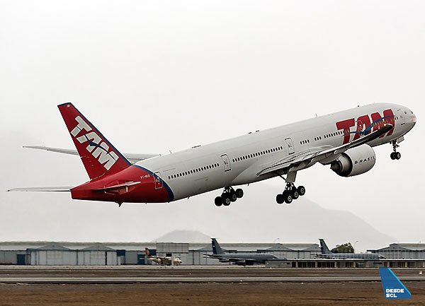 TAM B777-300ER take off RWY35R (S.Blaise)