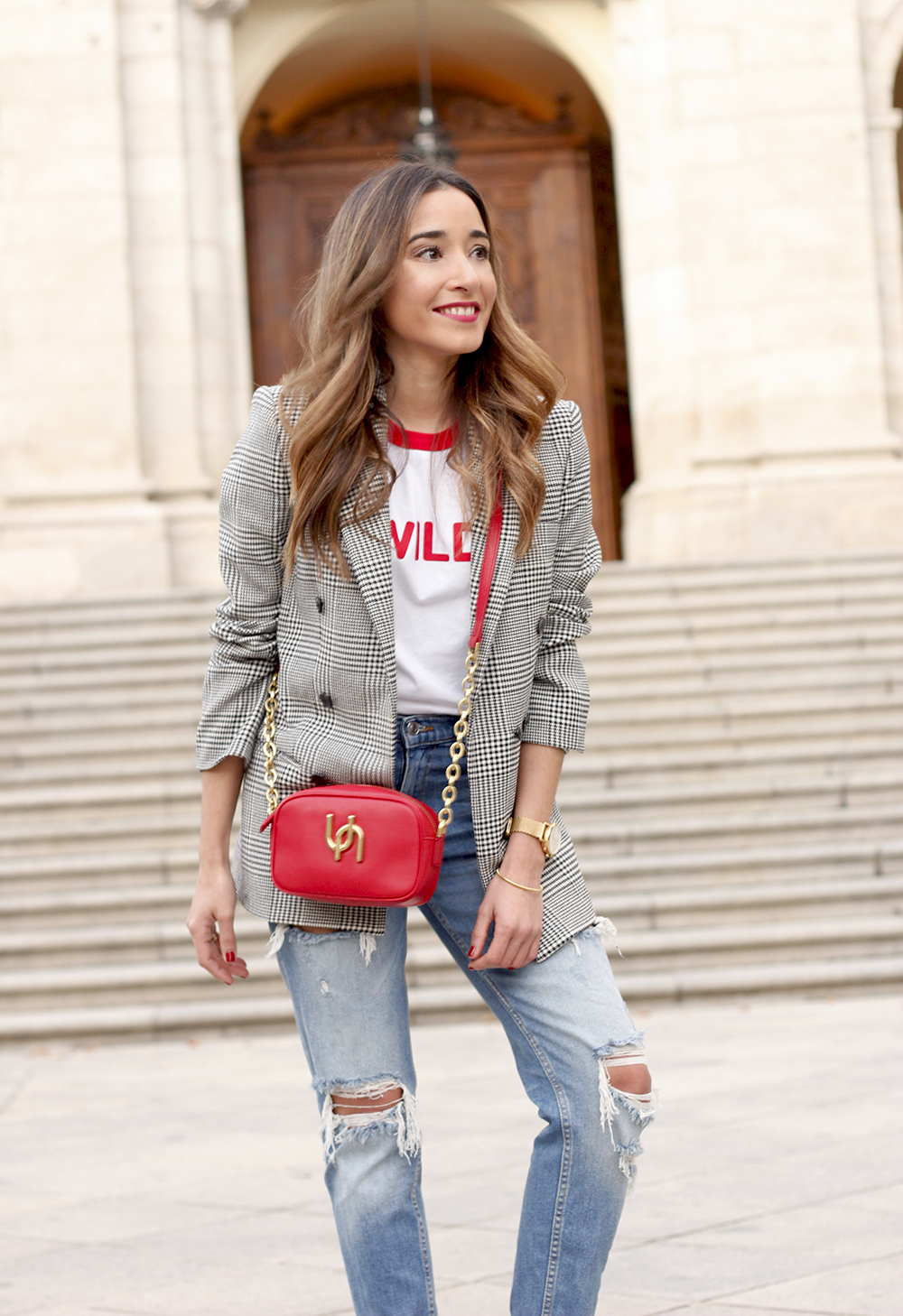Prince of wales print blazer ripped jeans red heels uterqüe style trend fall outfit06