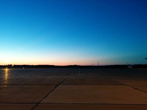 Dawn #pei #princeedwardisland #charlottetown #charlottetownairport #dawn #blue #latergram