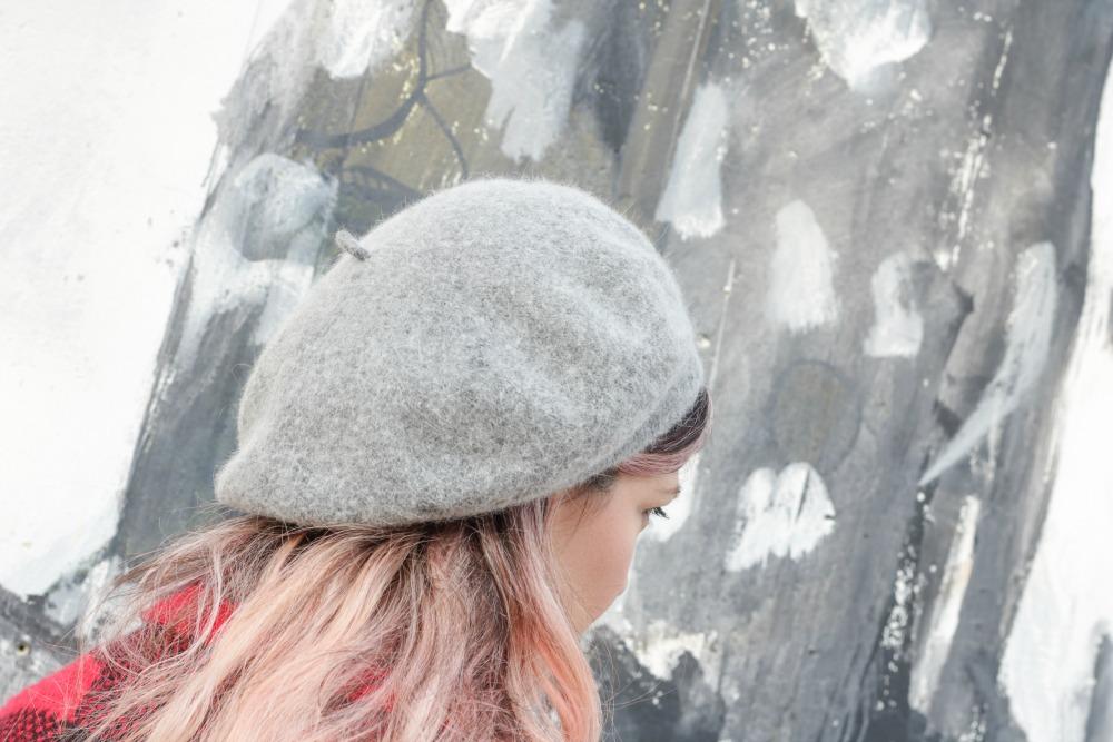 Outfit plus Kik, scozzese rosso e grigio (9)