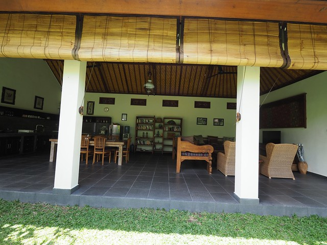 木, 2017-11-09 23:56 - Villa Mangga