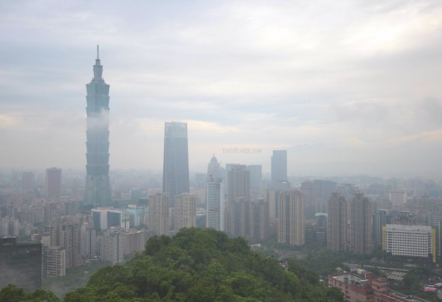 elephant mountain taipei city view