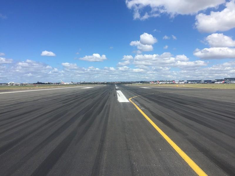 Runway 25, Sydney Airport