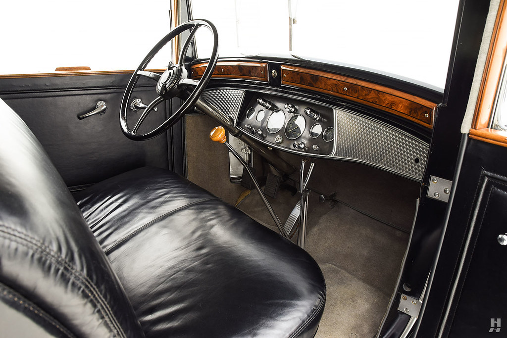 30006_I Cadillac Series 452 Fleetwood 452CI V16 3SPD Limousine_Black Silver