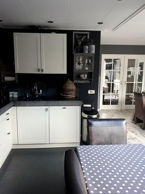 Keuken zwarte muur