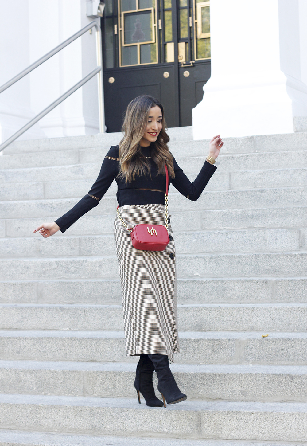 houndstooth skirt zara over the knee boots fall outfit uterqüe street style04