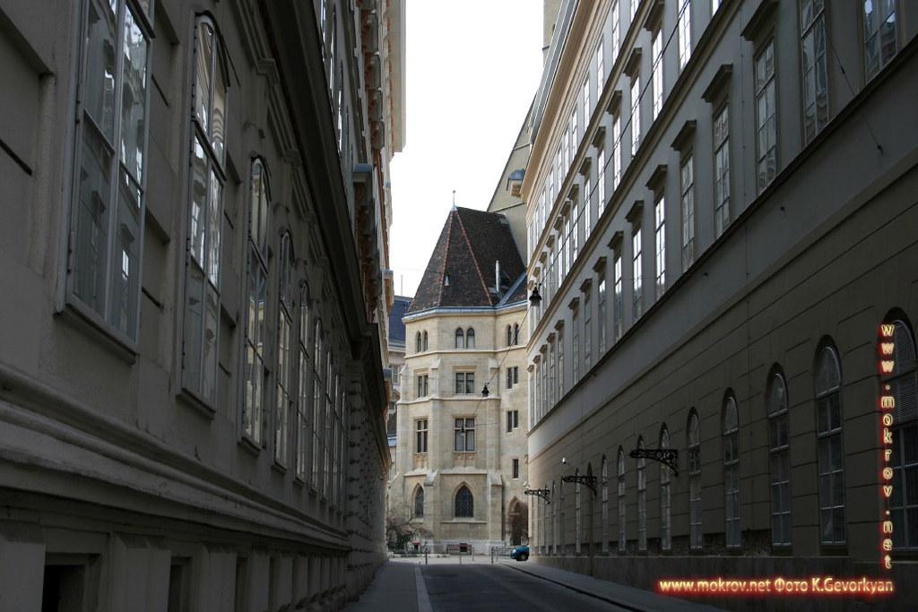 Город Вена, столица Австрии фотографии сделанные днем и вечером