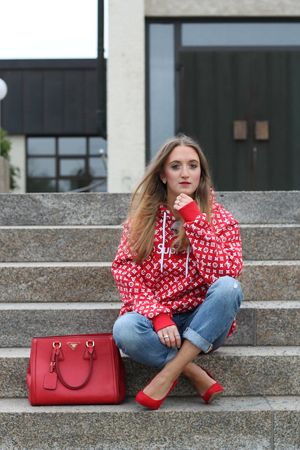 red-sweater-and-accessories-whole-outfit-wiebkembg