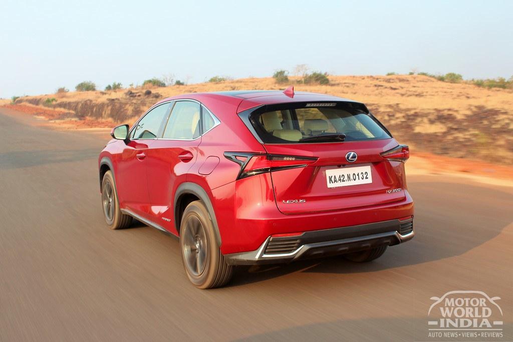 Lexus-NX300h-Exterior (26)