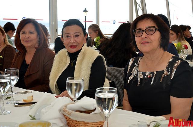 Selçuk Ecza Deposu sahibi Mehtap Başak, Büke Eczanesi sahibi Nurdan Uygur, Güven Eczanesi sahibi Meliha Güven