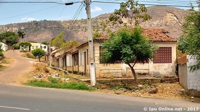 Vila Santa Luisa de Marillac em Ipu vive em situação de abandono