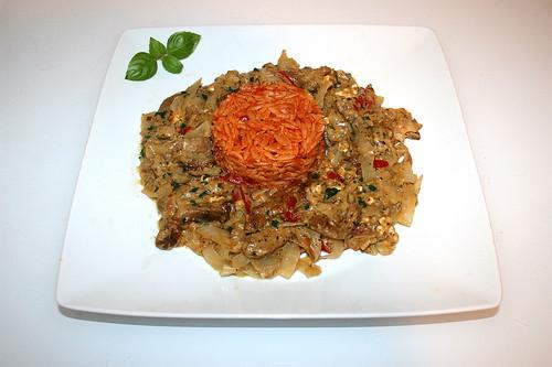 98 - Greek gyros cabbage casserole with tomato kritharaki - Served / Griechischer Gyros-Kraut-Auflauf mit Tomaten-Kritharaki  - Serviert