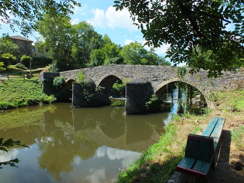 Bagnac-sur-Célé- Pont médiéval (Lafage)