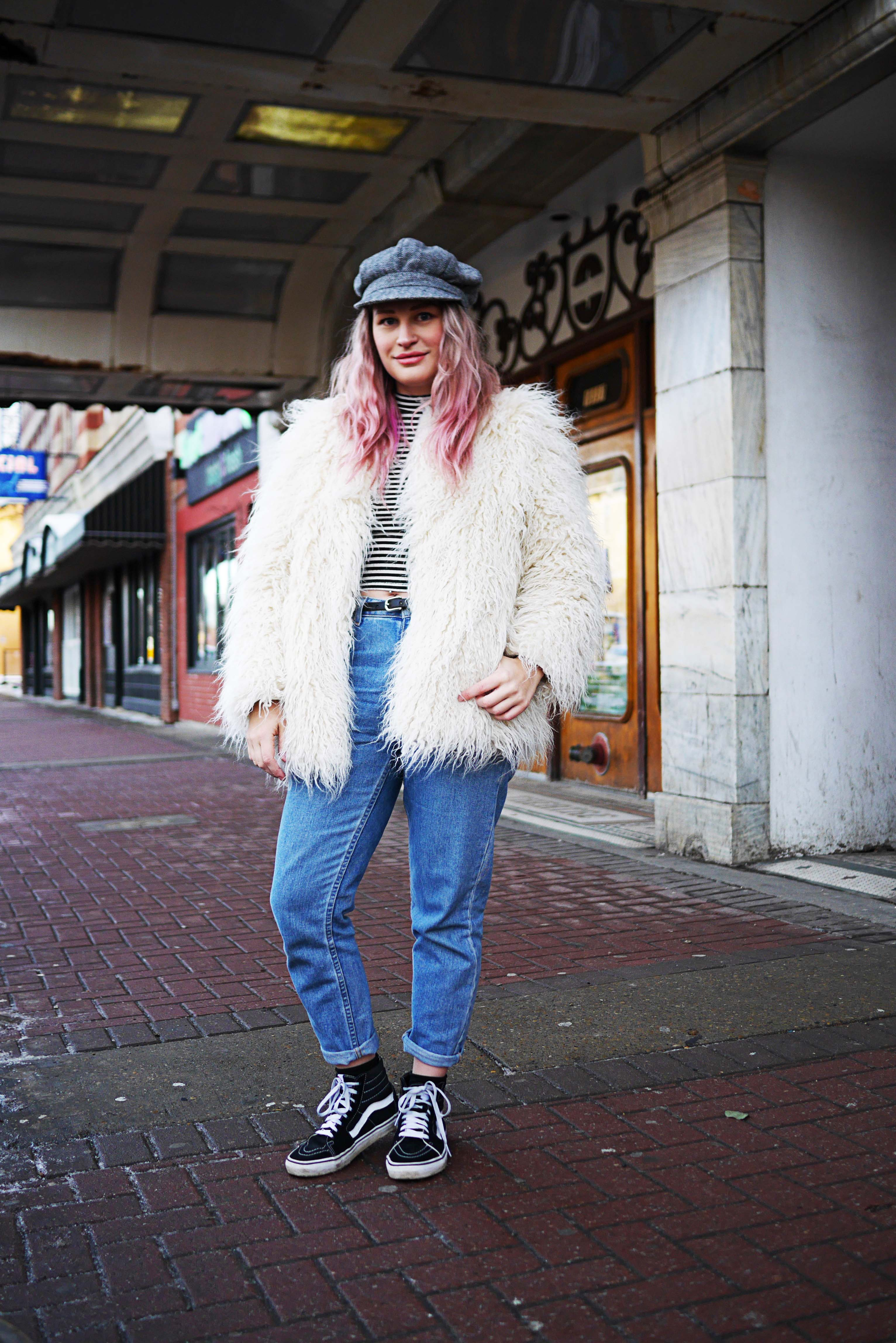 brilliant outfits with pink hair