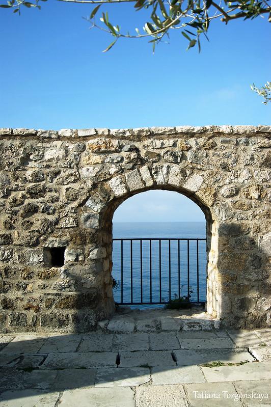 Проем в крепостной стене