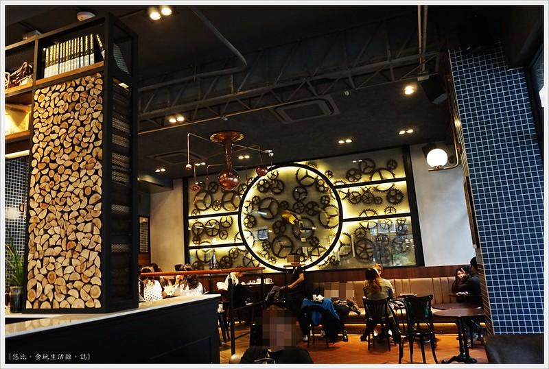 卡啡那CAFFAINA 大墩店-11-齒輪牆