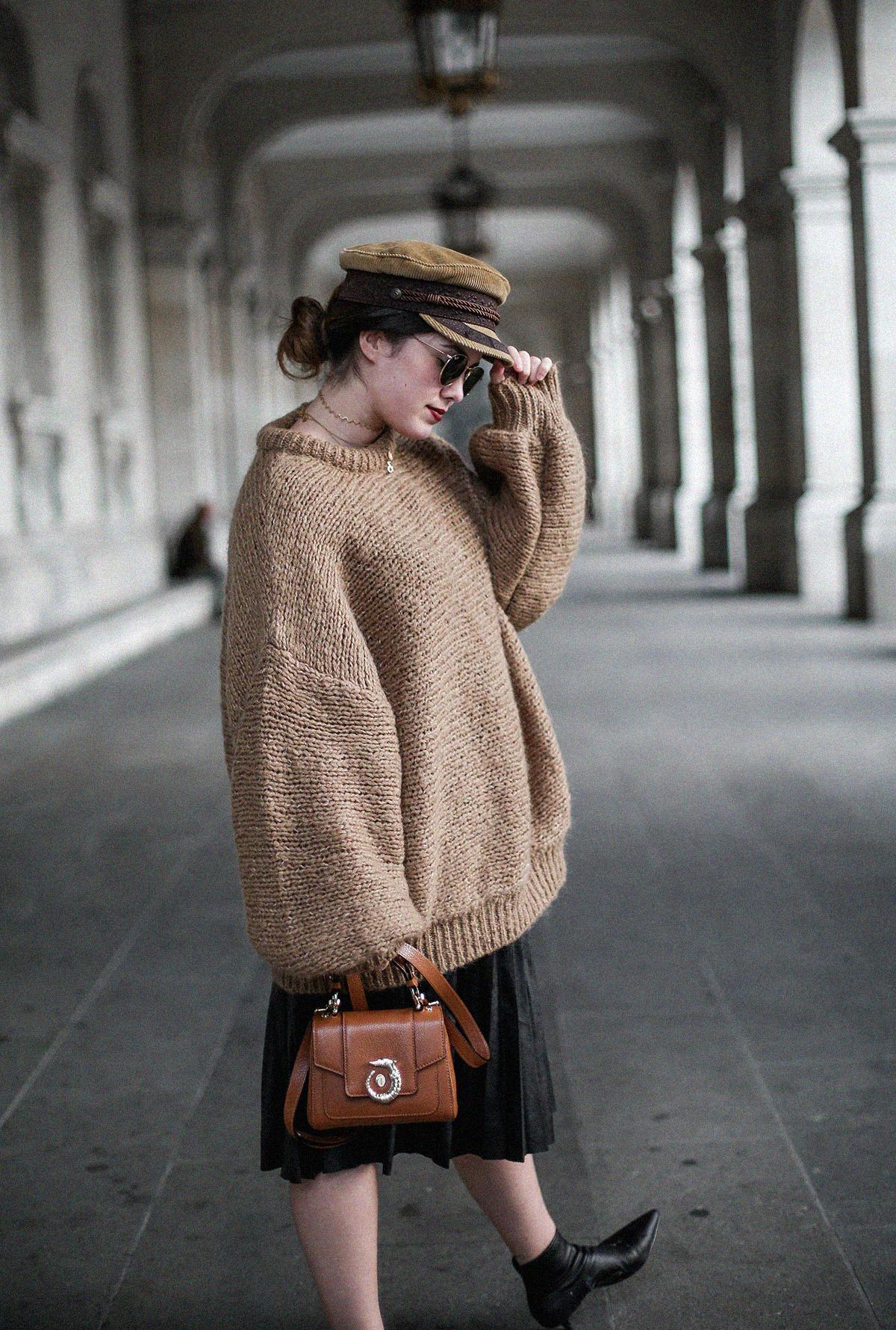 maxi-jersey-mangas-abullonadas-falda-plisada-negra-look-streetstyle-myblueberrynightsblog7