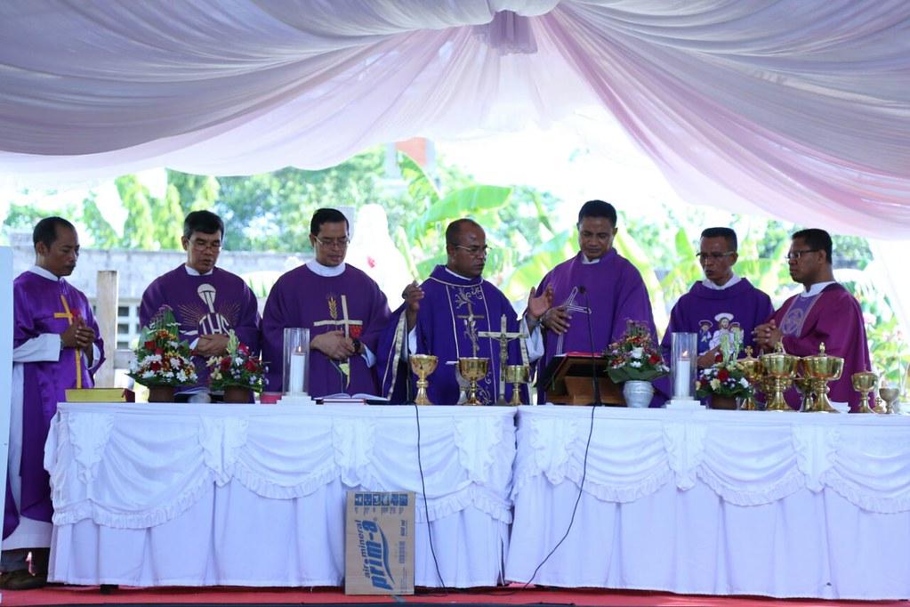 Misa Peringatan Arwah Orang-orang Beriman Dekenat Bali Timur