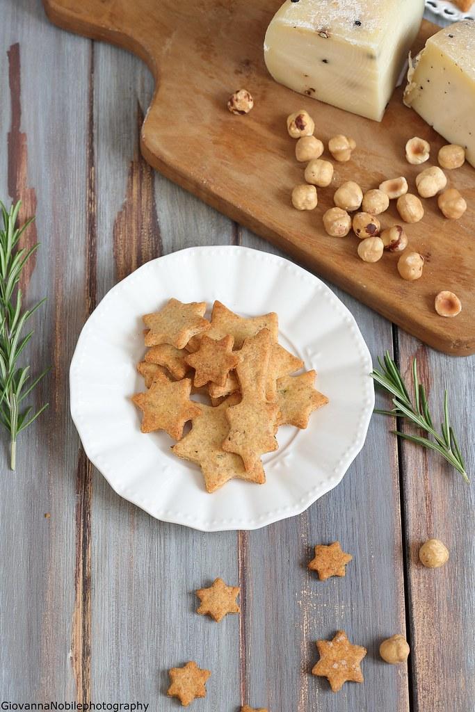Biscottini con parmigiano e rosmarino 3