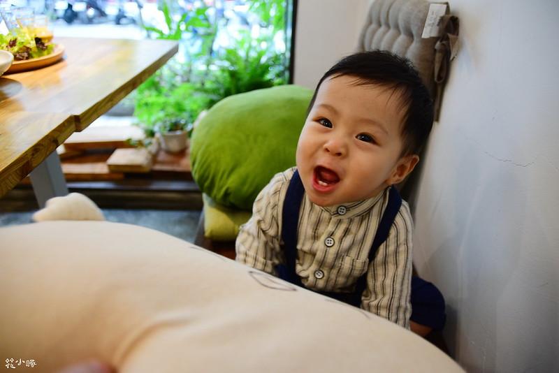 頭型枕mimos頭型枕cani嬰兒顧頭型枕頭防扁頭嬰兒枕cani枕頭cani air wave枕頭價格 (37)