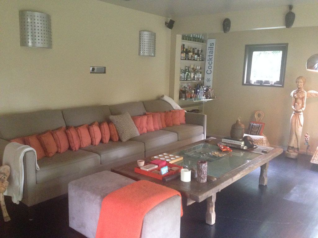 268 S Wilton Pl,Los Angeles,California 90004,3 Bedrooms Bedrooms,2 BathroomsBathrooms,Apartment,S Wilton Pl,6483