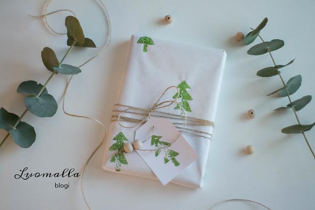 kuusikuvioinen lahjapaperi