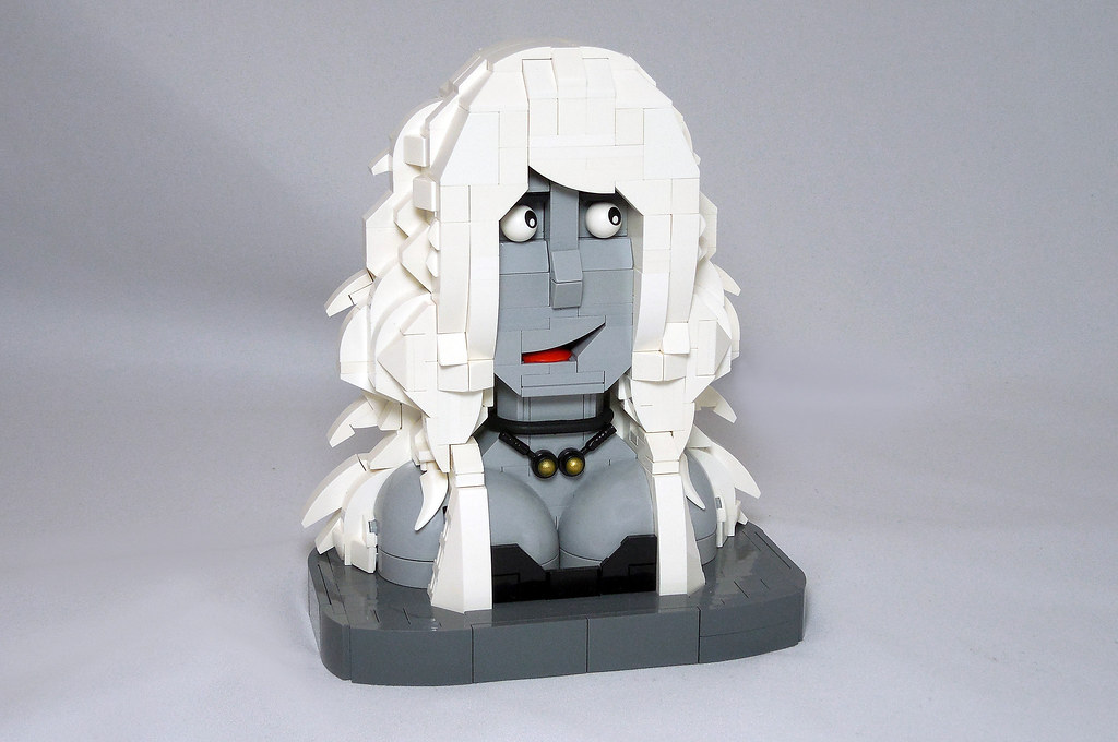 LEGO® MOC by Vitreolum: Lady Death Bust + Display