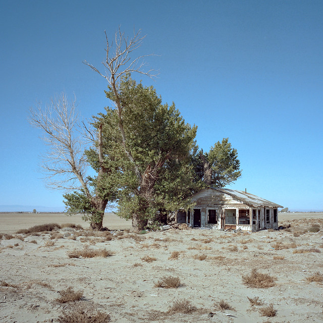 abandoned farmhouse. mojave desert, ca. 2016.