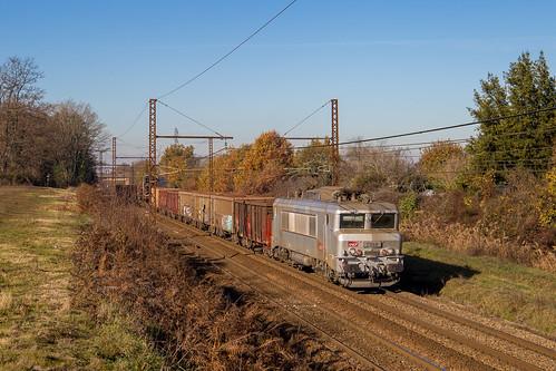 27 novembre 2017 BB 7358 Train 74092 Bordeaux-Hourcade -> SPDC St-Loubès (33)