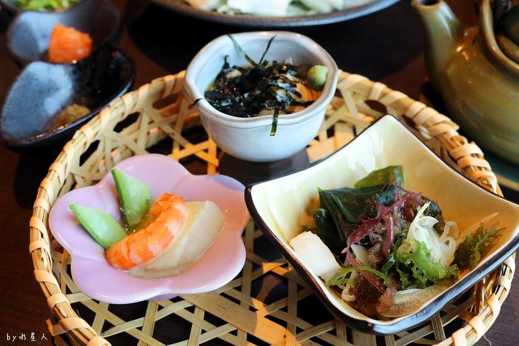 38327393896 2e02d3fde3 b - 熱血採訪|藍屋日本料理和風御膳,暖呼呼單人火鍋套餐,銷魂和牛安格斯牛肉鑄鐵燒