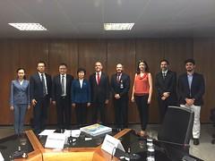 Integrantes da delegação da China e do Brasil após reunião que iniciou diálogo para acordo de previdência entre os dois países 13.nov.2017