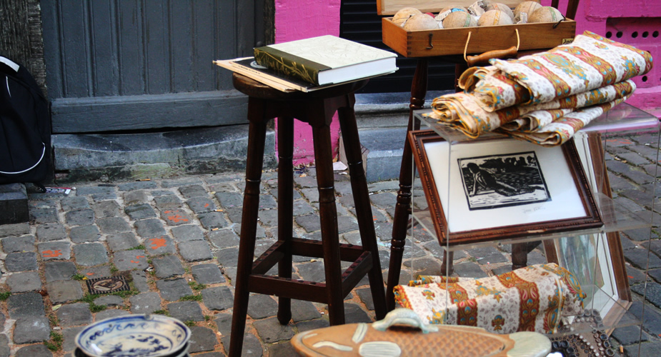 Vintage shopping in Brussels: Flea market Brussels, Place du Jeu de balle | Mooistestedentrips.nl