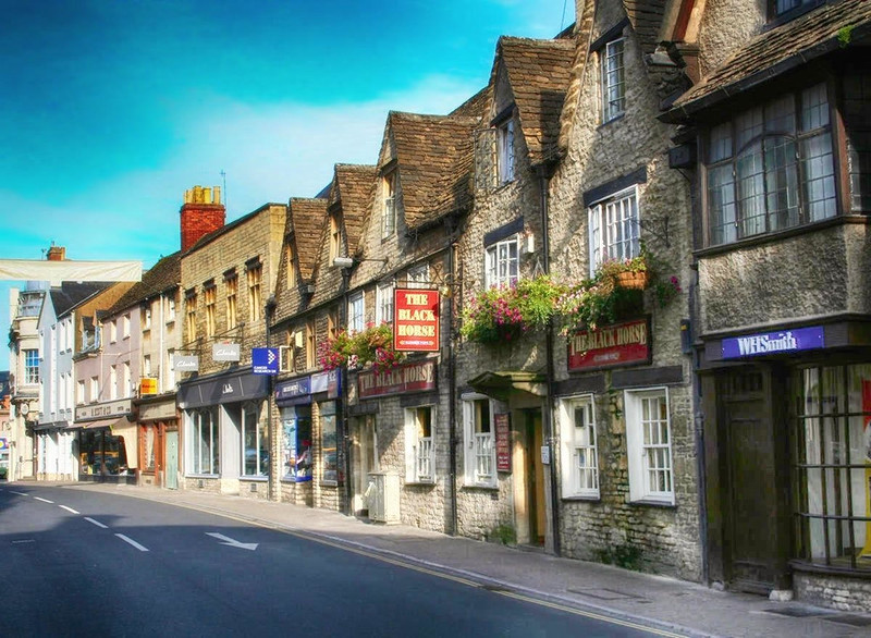 Castle Street, Cirencester. Credit Jack, flickr