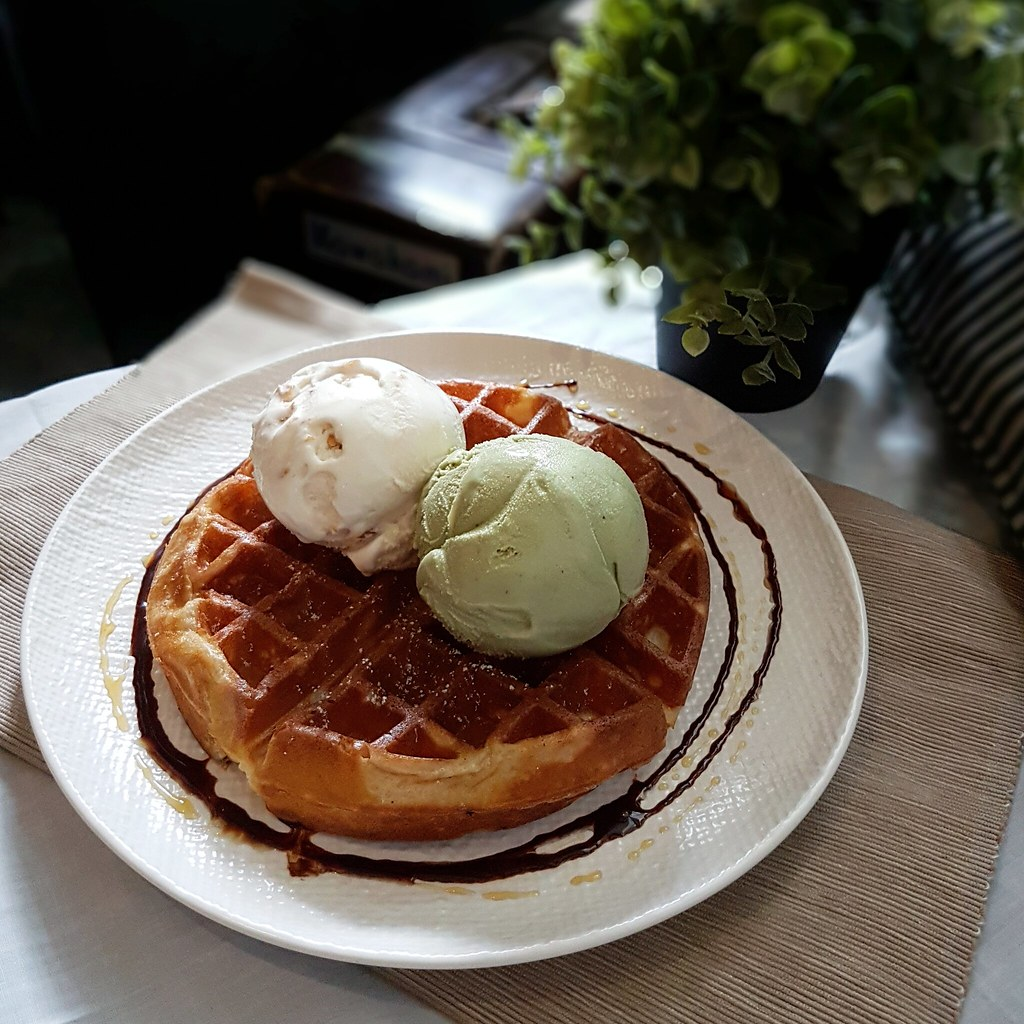 lowercase cafe ice cream waffles