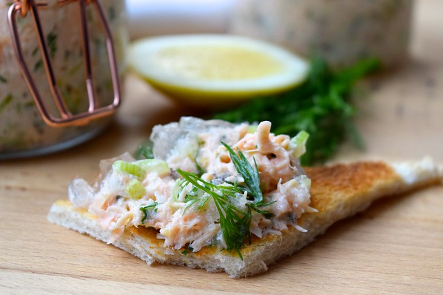 Festive Salmon Terrine with Gin & Tonic Jelly #christmas #salmon #terrine #gin