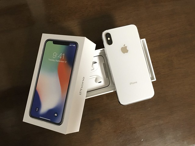 iPhone X Silver 2017