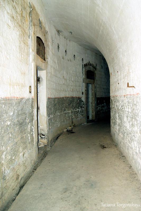 Один из коридоров первого этажа