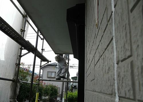 外壁を塗る前の下地塗り