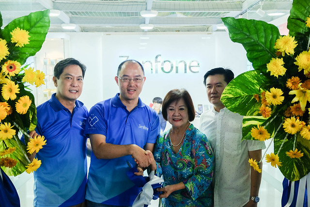Patty Villegas - The Lifestyle Wanderer  - First Zenfone 4 Store - Visayas - ASUS Philippines - Iloilo City -13