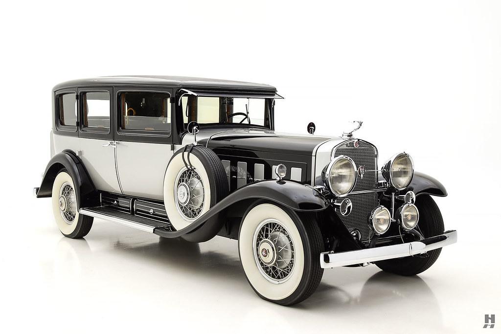 30006_D Cadillac Series 452 Fleetwood 452CI V16 3SPD Limousine_Black Silver