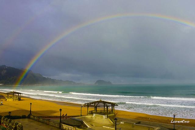 Arco Iris en la playa de Zaarutz