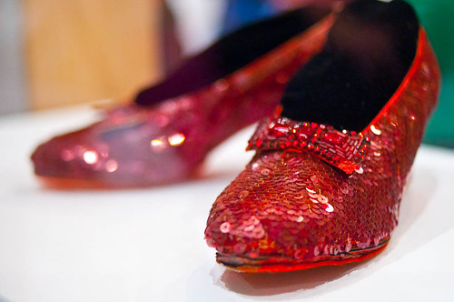Smithsonian_National_Museum_of_American_History_-_Dorothy_Ruby_Slippers_(6269207855)