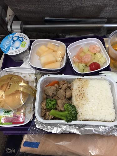 中華系航空の機内食ってなんでこんな不味いんかね?