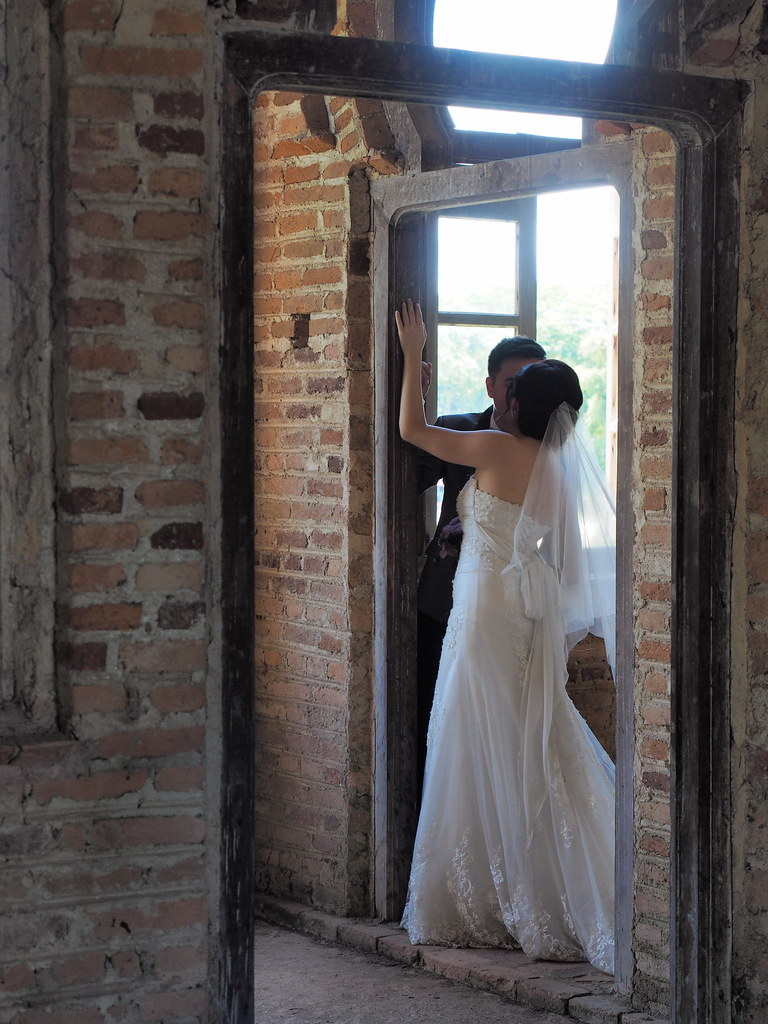 Another framing of the wedding photo shooting at Kellie's Castle