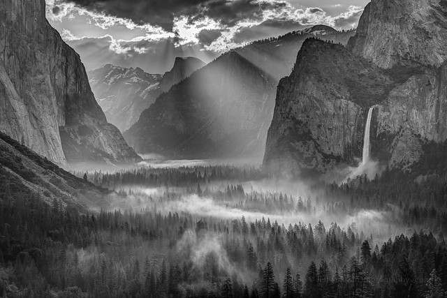 Yosemite Morning Sun Rays